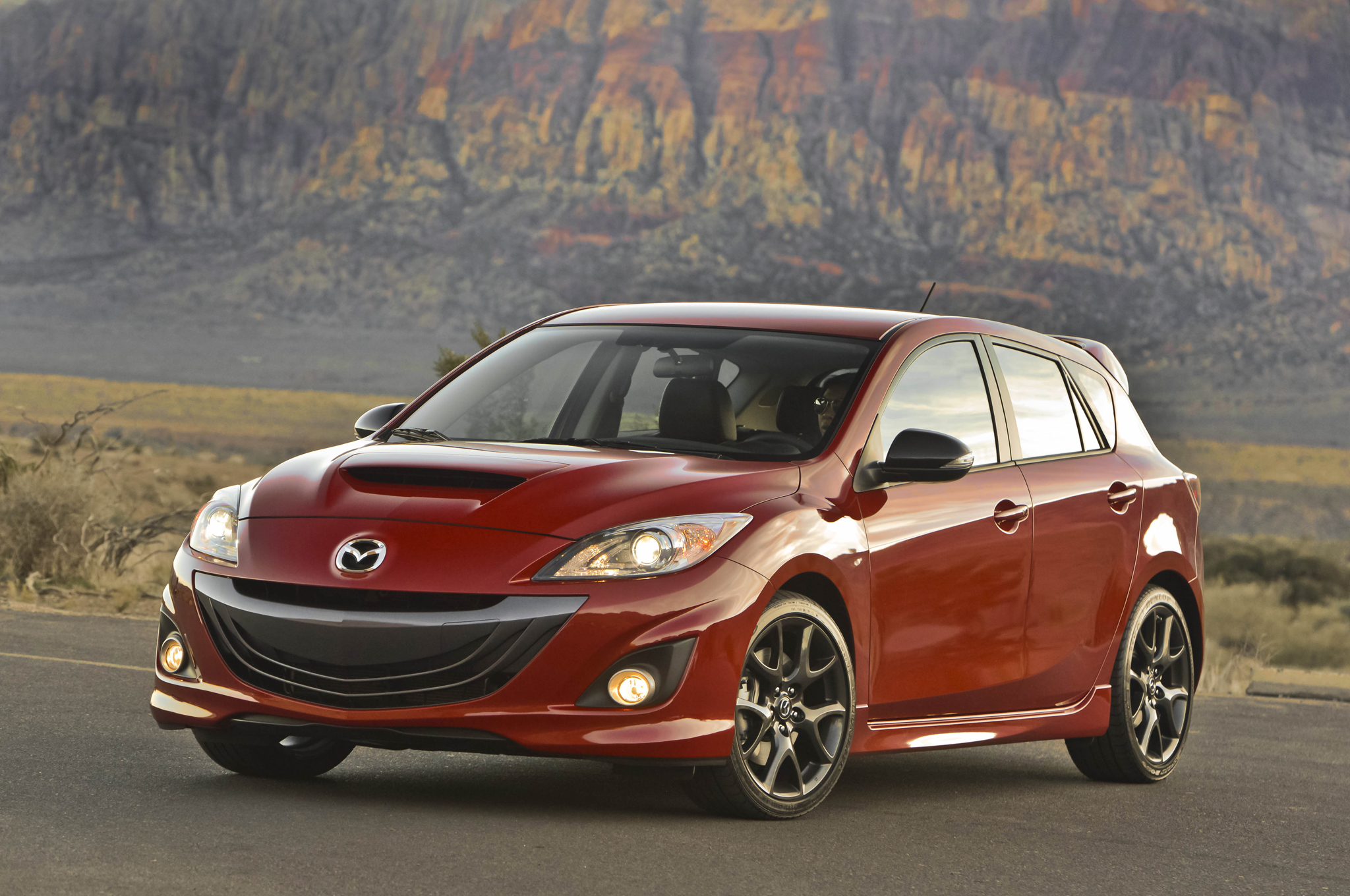 2013-mazda-mazdaspeed3-front-three-quarters-11